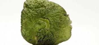 سنگ مولداویت (Moldavite) چیست؟ خواص مولداویت و کاربردهای آن