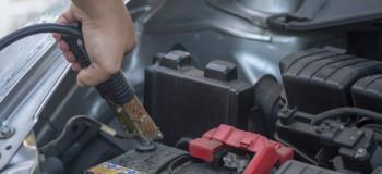 ۵ علت اصلی ترکیدن باتری خودرو