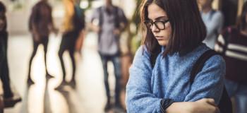 چگونه می شود با فشار همسالان برخورد کرد ؟