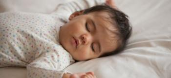 علت خواب زیاد در نوزادان را بشناسید و آن را کنترل کنید
