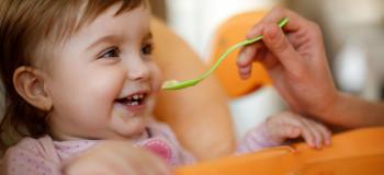 سرلاک چیست؟ از چند ماهگی میتوان سرلاک را به نوزاد داد؟