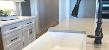 ترفندی جادویی برای براق و تمیز کردن سینک ظرفشویی گرانیتی