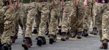 ۳۰ متن احساسی و بسیار زیبای تبریک روز سرباز به پسرم
