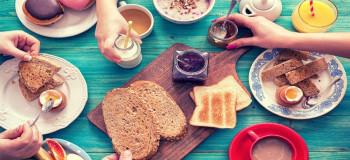 اهمیت استفاده از آبمیوههای طبیعی در صبحانه