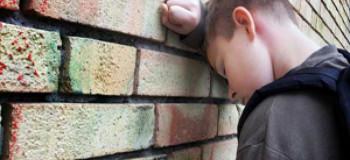 برخورد صحیح با تهدید به خودکشی در نوجوانان