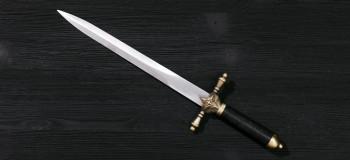 تعبیر خواب شمشیر: ۲۳ نشانه و تعبیر دیدن شمشیر در خواب