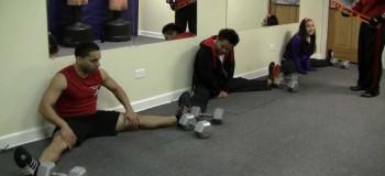 چگونه می توان پاها را ۱۸۰ درجه باز کرد ؟