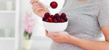خواص و مضرات انواع آلو در بارداری + روش مصرف