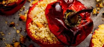طرز تهیه ۱۰ غذای بسیار خوشمزه با فلفل دلمه ای