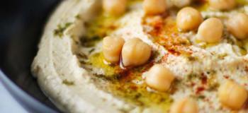 طرز تهیه ۲ مدل هوموس غذای لبنانی بی نظیر و عالی در منزل