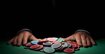 پوکر فیس (Poker Face) چیست ؟