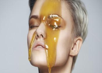 معرفی و طرز تهیه 15 ماسک عسل برای روشن شدن پوست