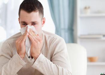 آلرژی و حساسیت به گرد وخاک چیست و چه نشانه هایی دارد؟