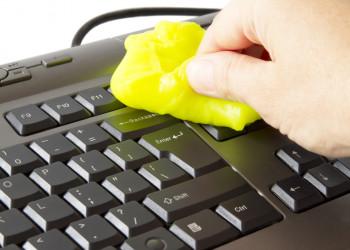 چگونه صفحه کلید(کیبورد)کامپیوتر را تمیز کنیم؟
