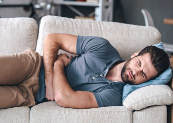 11 علت درد بیضه و درمان سریع این عارضه خطرناک در آقایان