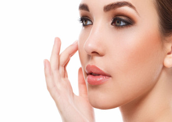 علت پوسته پوسته شدن صورت چیست؟