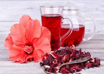 11 مزایای شگفت انگیز از چای هیبیسکوس