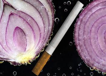 خاصیت فوق العاده و بی نظیر پیاز برای افراد سیگاری