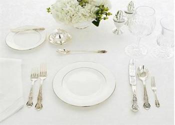 روش چیدن یک میز شیک برای ناهار