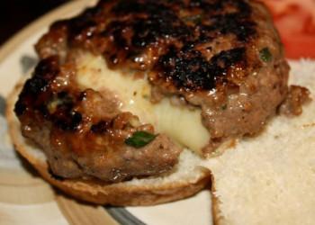 طرز تهیه چیزبرگر درون پنیر