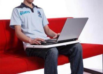 عوارض قرار دادن لپ تاپ بر روی پا