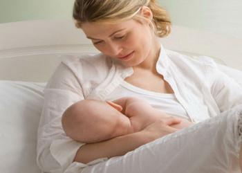 علائمی که زمان شیردادن به نوزاد را  نشان میدهد