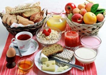 در فصل گرما رعایت این نکات تغذیه ای برای روزه داران الزامیست