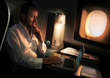 چرا باید وسایل الکترونیکی را در هواپیما خاموش کنیم؟