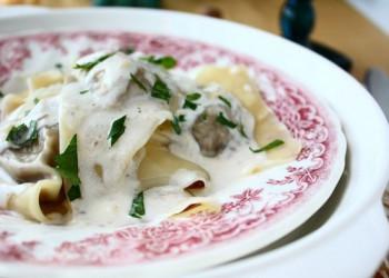 راویولی با سس قارچ و خامه:یک پیشنهاد ایتالیایی خوشمزه!