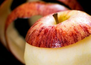 خواص پوست میوه ها،از این به بعد پوست میوه بخورید!