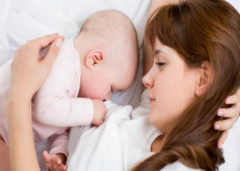 نکات مهم تغذیه مادر در دوران شیر دهی و تاثیر آن بر نوزاد