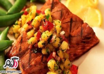 تهیه ماهی سالمون کبابی با سالسا رژیمی