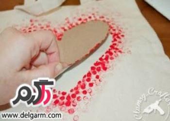 تزیین لباس ساده با رنگ و مداد