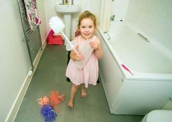 علاقه ی شدید به خوردن فرچه ی توالت .!!