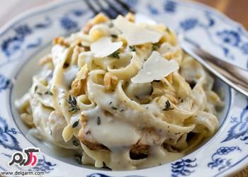 طرز تهیه پاستا مرغ و قارچ با پنیر