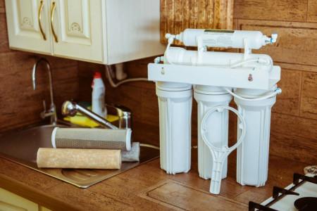 دستگاه تصفیه آب خانگی باید چه ویژگی هایی داشته باشد؟