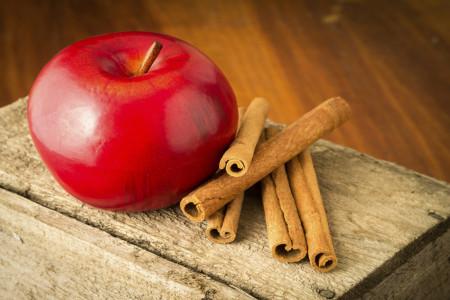 با رژیم 5 روزه سیب و دارچین با چربی ها خداحافظی کنید!