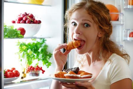 16 خوراکی که باورتان نمی شود چاق تان کنند