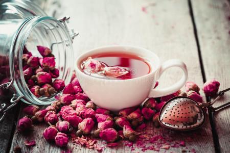 فواید چای گل محمدی + طرز تهیه دمنوش غنچه گل محمدی | دلگرم