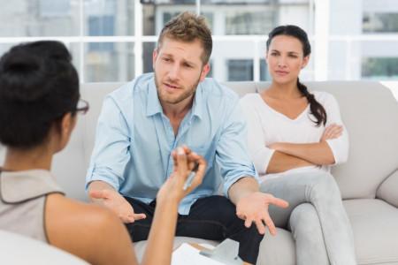 خیانت همسر: 30 نشانه خیانت همسر که نمیدانستید