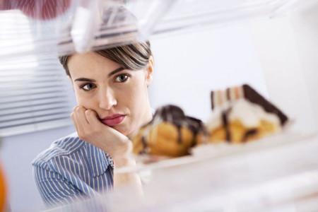 چرا همیشه احساس گرسنگی میکنید؟