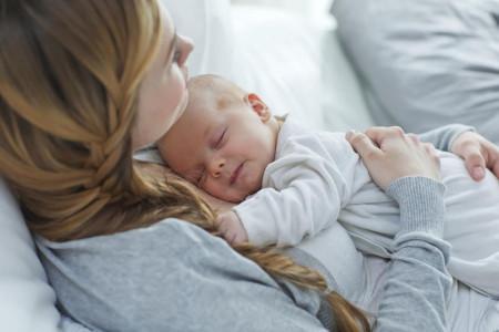 چگونه گریه نوزادان را تسکین دهیم؟