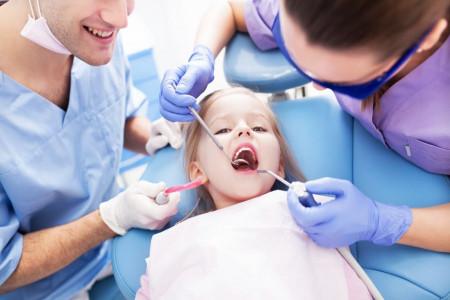 فلورایدتراپی (وارنیش) دندان در کودکان و بزرگسالان