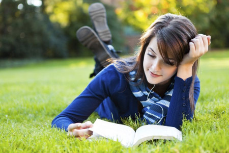 پنج کتاب کودکی + معرفی کتاب های زیبا و مفید برای بزرگسالان