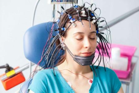 نوار مغزی یا EEG چیست؟