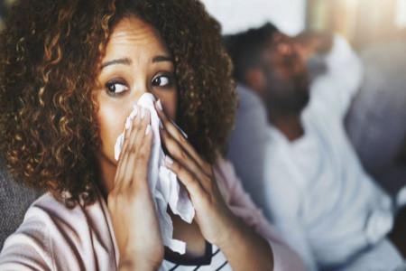 رینیت آلرژیک چیست؟ + علل، علائم و درمان