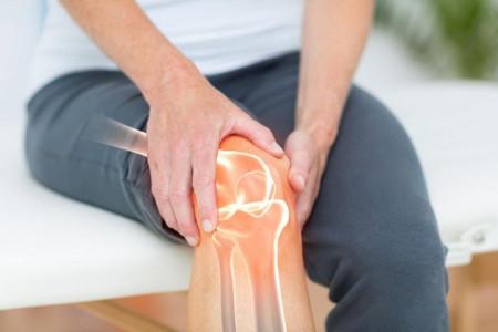 آرتریت زانو (درد مفصلی ناشی از التهاب) ؛ انواع، علل، علائم و روش های درمان