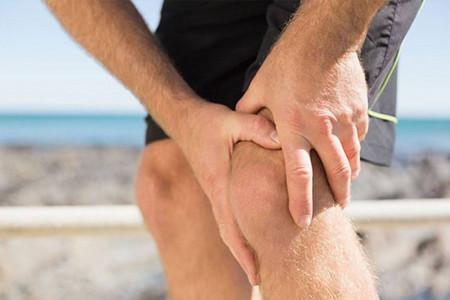 چه دلایلی باعث ایجاد درد زانو هنگام دویدن میشوند؟