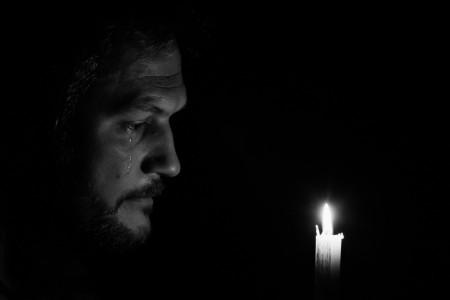 20 عکس جدید و با کیفیت غمگین گریه کردن مرد برای پروفایل