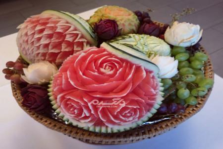 زیباترین عکس های تزئین هندوانه شب یلدا به طرح های گل